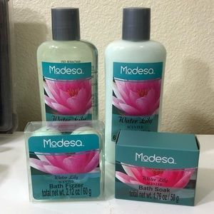Modesa Water Lily Bath Set Bath Bombs